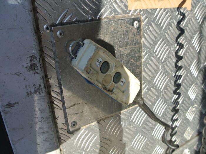 日産 アトラス 小型 アルミバン パワーゲート 床鉄板 画像8