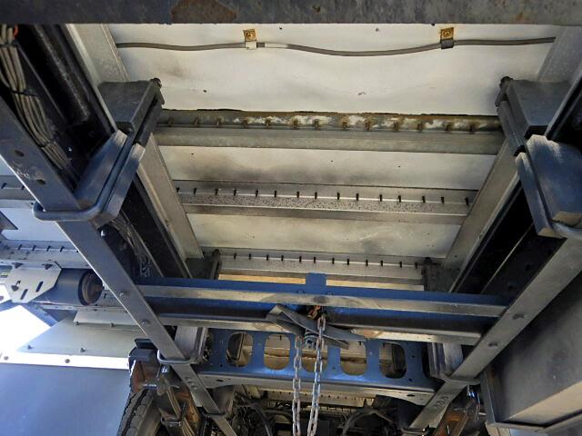 日産UD コンドル 中型 ウイング 床鉄板 ベッド 画像15