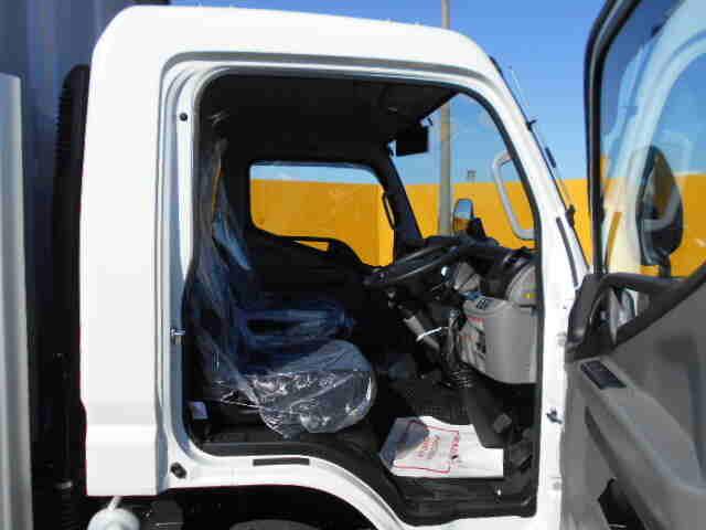 三菱 キャンター 小型 ウイング 2PG-FEB80 H31/R1 車検  トラック 画像 キントラ掲載