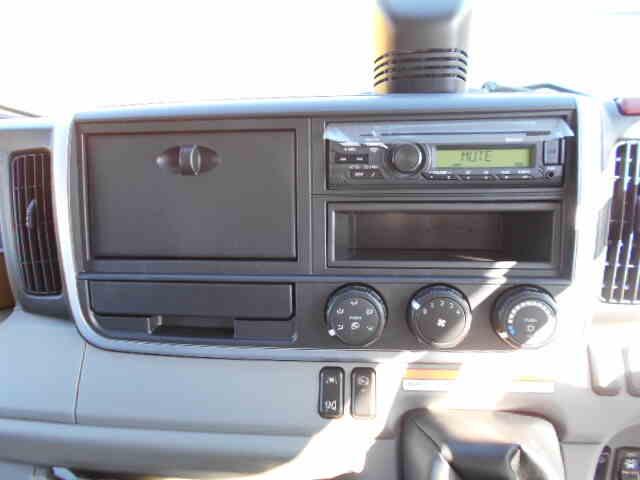 三菱 キャンター 小型 ウイング 2PG-FEB80 H31/R1 荷台 床の状態 トラック 画像 トラックサミット掲載