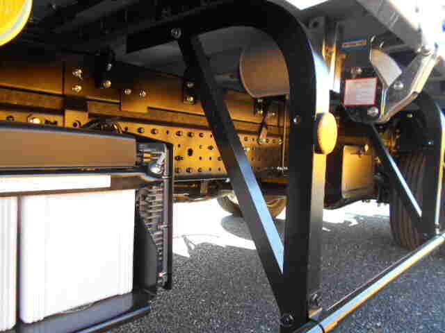 三菱 キャンター 小型 ウイング 2PG-FEB80 H31/R1 シフト MT5 トラック 画像 ステアリンク掲載
