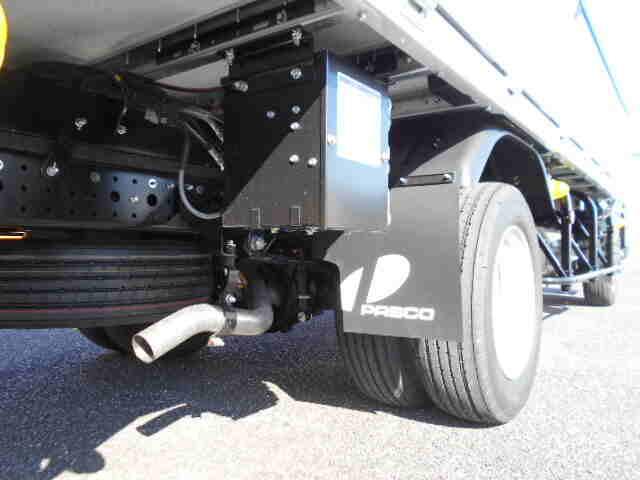三菱 キャンター 小型 ウイング 2PG-FEB80 H31/R1 フロントガラス トラック 画像 トラック王国掲載
