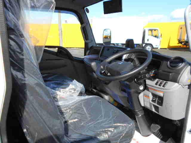 三菱 キャンター 小型 アルミバン パワーゲート サイドドア|型式 2PG-FEAV0 トラック 画像 栗山自動車掲載