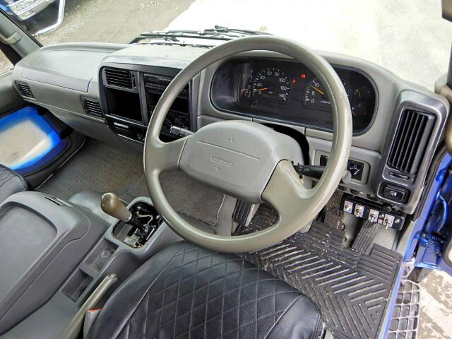 三菱 ファイター 中型 パッカー車 プレス式 KK-FK71HE|駆動方式 2WD トラック 画像 リトラス掲載