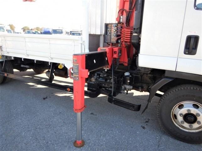 いすゞ フォワード 中型 クレーン付 4段 ラジコン 荷台 床の状態 トラック 画像 トラックサミット掲載