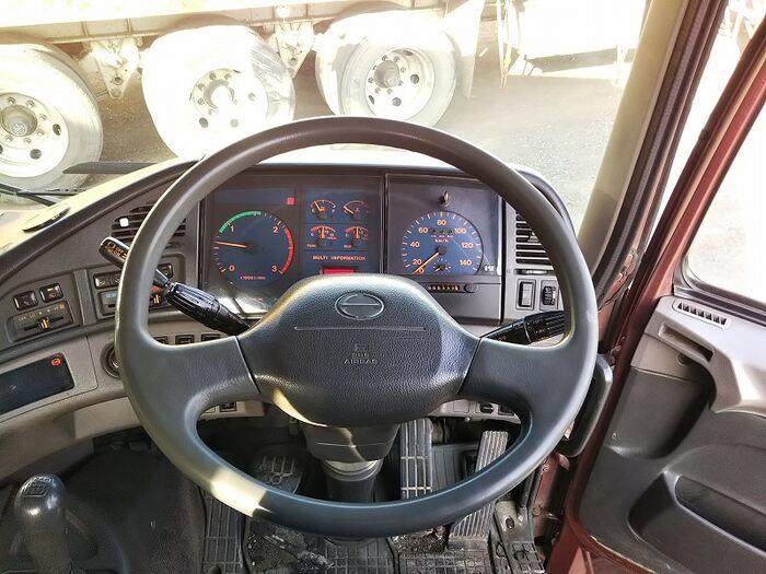 日野 プロフィア 大型 トラクタ 1デフ ベッド 荷台 床の状態 トラック 画像 トラックサミット掲載