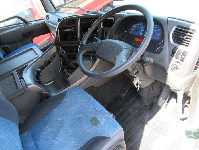 日産UD クオン 大型 平ボディ 床鉄板 エアサス 年式 H21 トラック 画像 トラックサミット掲載