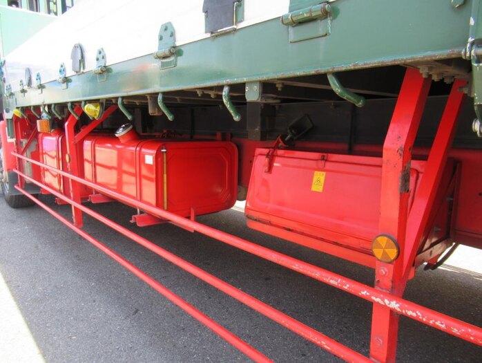 日産UD クオン 大型 平ボディ 床鉄板 エアサス 積載 14.4t トラック 画像 ステアリンク掲載