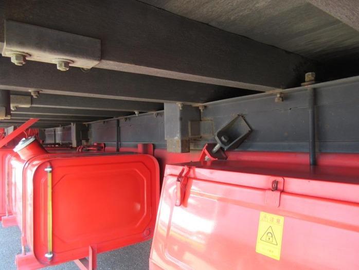 日産UD クオン 大型 平ボディ 床鉄板 エアサス 走行距離 57.2万km トラック 画像 トラックランド掲載