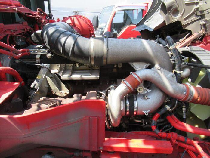 日産UD クオン 大型 平ボディ 床鉄板 エアサス フロントガラス トラック 画像 トラック王国掲載