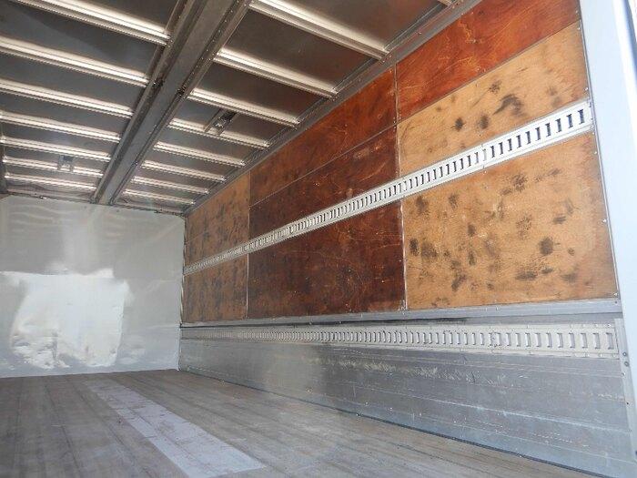 三菱 ファイター 中型 ウイング ベッド PJ-FK62FZ|フロントガラス トラック 画像 トラック王国掲載
