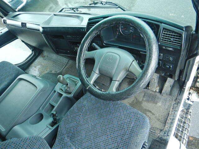 三菱 ファイター 中型 ウイング ベッド PJ-FK62FZ|駆動方式 2WD トラック 画像 リトラス掲載