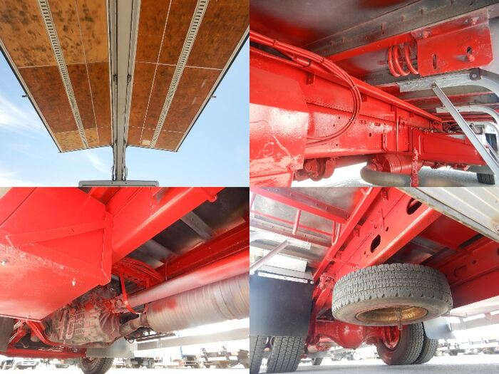 三菱 ファイター 中型 ウイング ベッド PJ-FK62FZ|運転席 トラック 画像 トラック王国掲載
