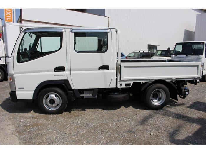三菱 キャンター 小型 平ボディ Wキャブ 2TG-FBA00 駆動方式  トラック 画像 リトラス掲載