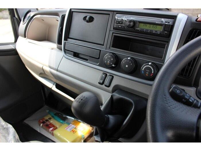 三菱 キャンター 小型 平ボディ Wキャブ 2TG-FBA00 シフト AT トラック 画像 ステアリンク掲載