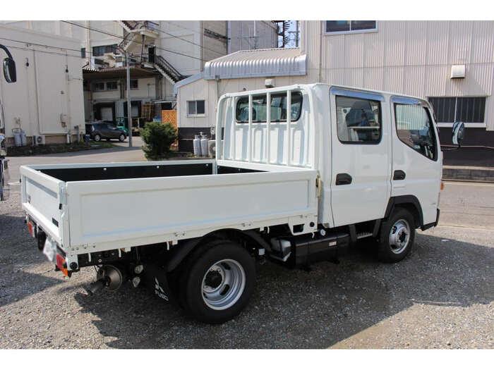 三菱 キャンター 小型 平ボディ Wキャブ 2TG-FBA00 トラック 右後画像 リトラス掲載