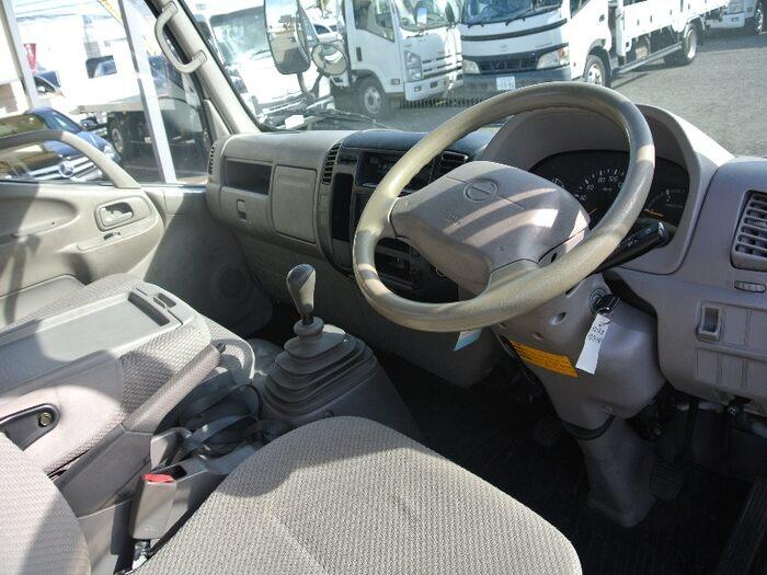 日野 デュトロ 小型 平ボディ PB-XZU401M H16|積載 2t トラック 画像 ステアリンク掲載