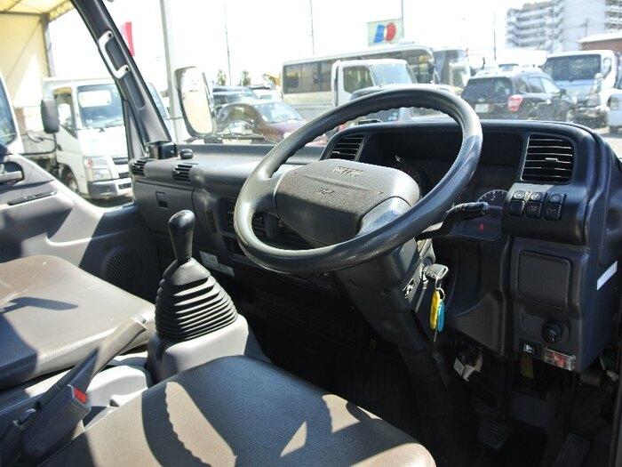 日産 アトラス 小型 平ボディ 床鉄板 PB-APR81AN|フロントガラス トラック 画像 トラック王国掲載