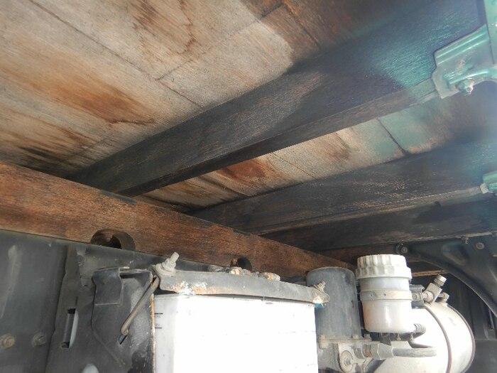 三菱 ファイター 中型 平ボディ PA-FK71RJ H17|荷台 床の状態 トラック 画像 トラックサミット掲載