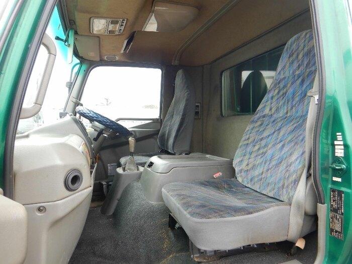三菱 ファイター 中型 平ボディ PA-FK71RJ H17|フロントガラス トラック 画像 トラック王国掲載