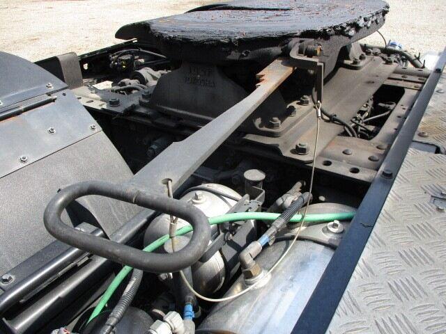 いすゞ ギガ 大型 トラクタ 1デフ ベッド 画像3