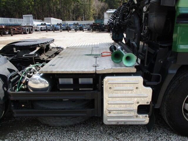 いすゞ ギガ 大型 トラクタ 1デフ ベッド 画像4